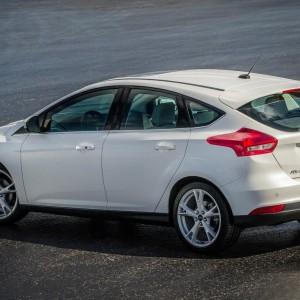 2015-ford-focus-8